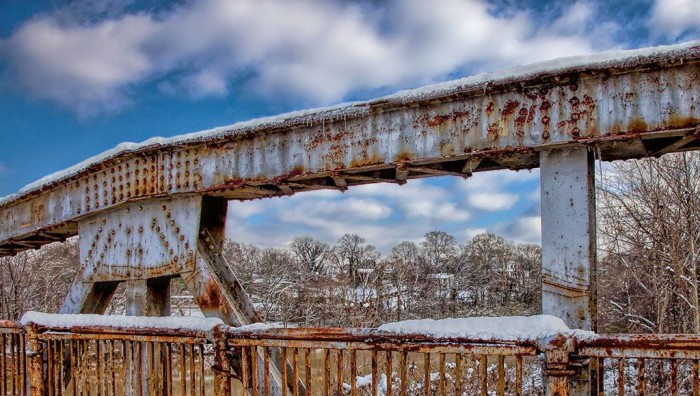 1. This shot of the Tombigbee River Bridge proves that even a rusty bridge looks beautiful covered in snow.