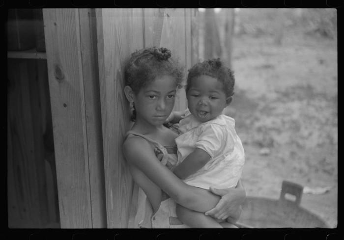 14. Children in Summerton, SC. 1939.