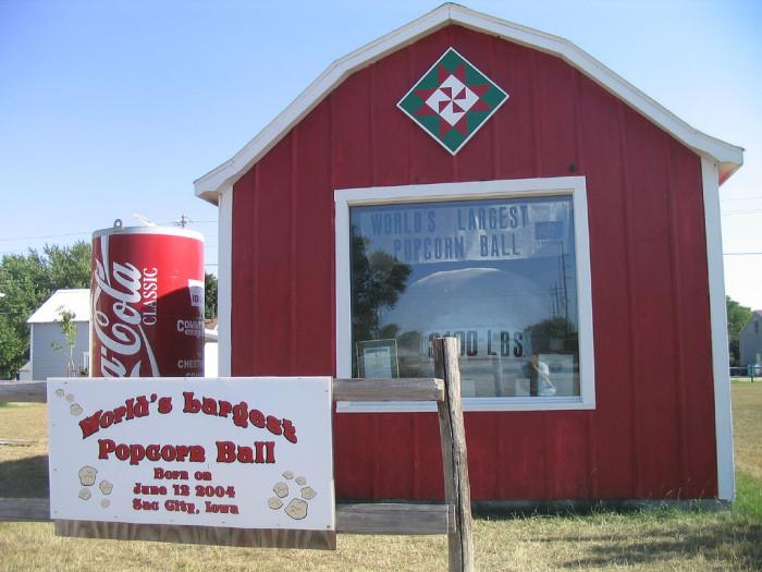 12. Sac City - The World's Largest Popcorn Ball