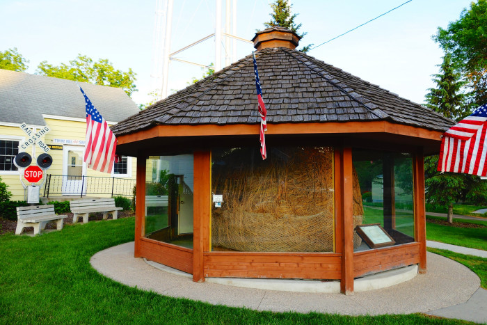 11. Darwin - Largest Ball of Twine Rolled by One Man.