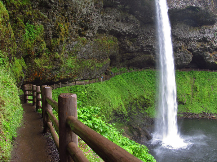 17. Hike the Tail of Ten Falls Loop in Silver Falls State Park.
