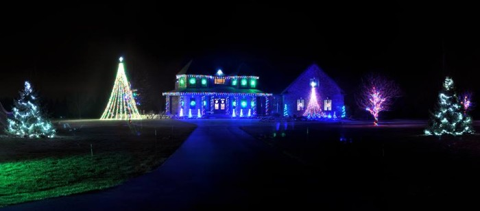 8. Holidays on Hilt Christmas Light Show (Bowling Green)