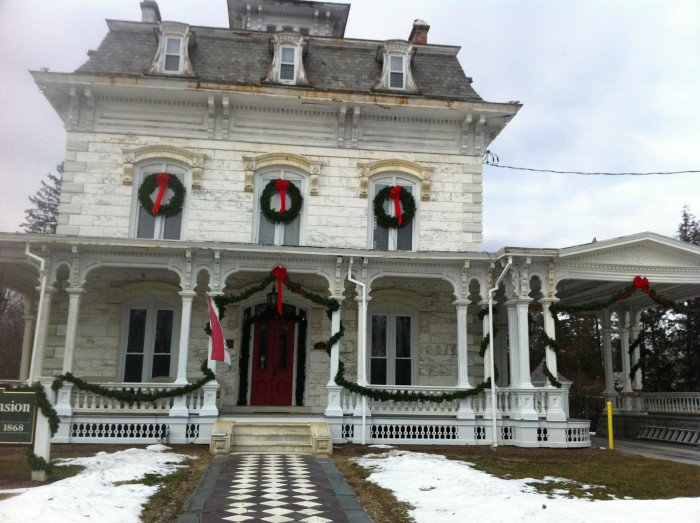 17 Terrifying Places In Vermont That Will Haunt You