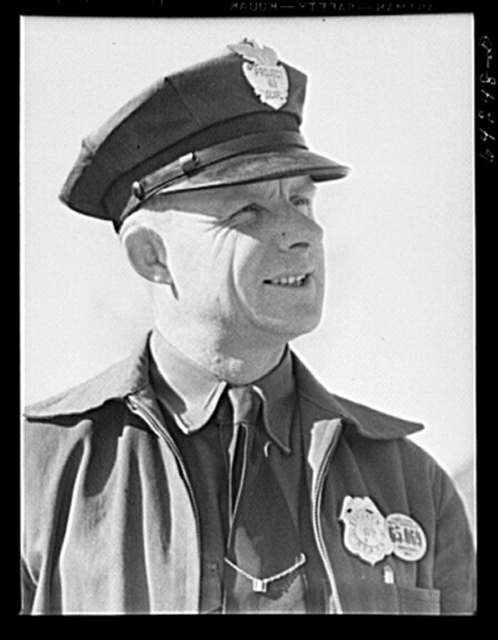 16.Newton County, 1942