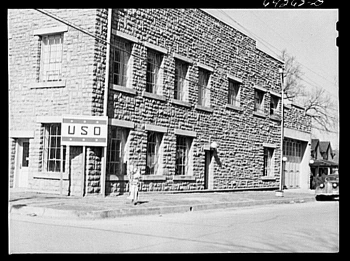 17.Neosho, 1942