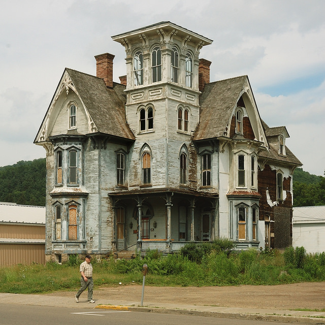 6. Spooky Mansion, Coudersport