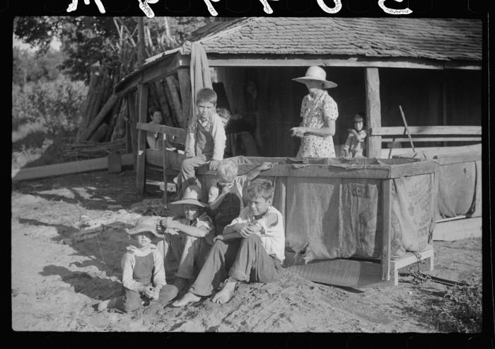 19. Children of a sharecropper in Manning, SC. 1939.