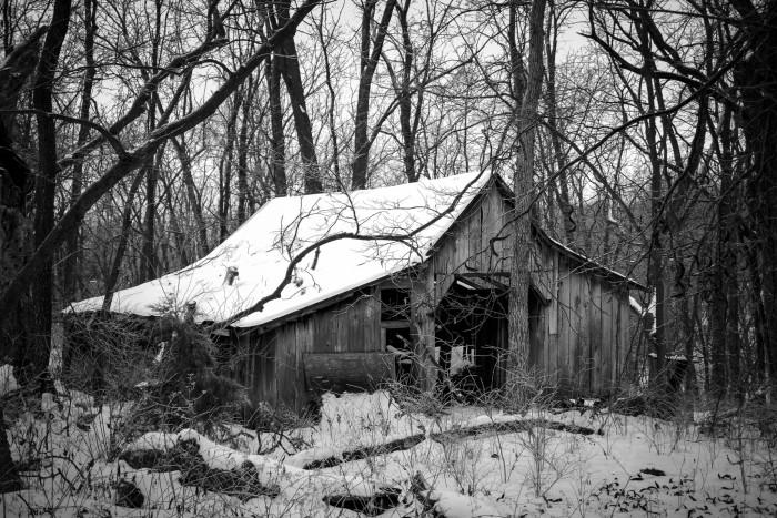 2.Winter Barn