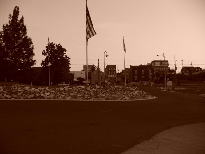 2.2. Washington,_Missouri,_at_dusk