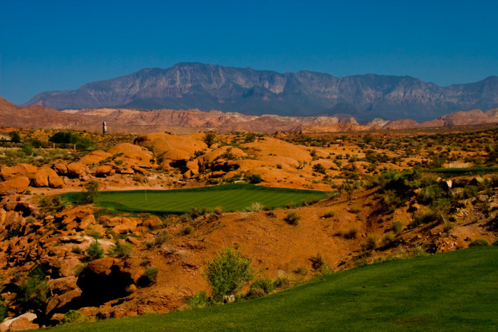 16. In Utah, you can ski in the morning and golf in the afternoon.