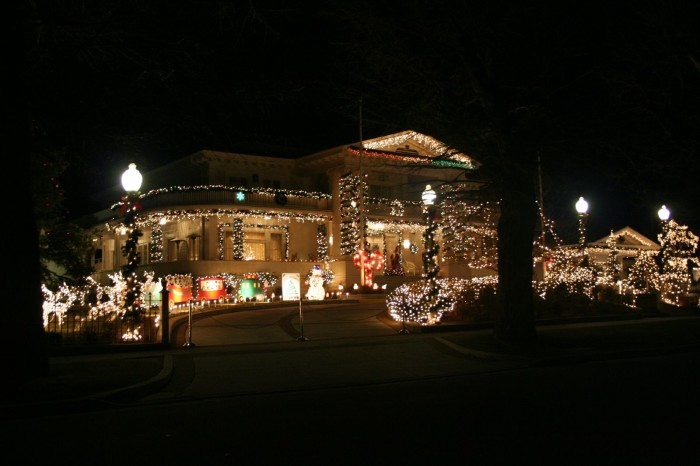 if youve never been to the governors mansion during the holiday season you must make plans to check it out its decorated exquisitely this time of year - Mansion Christmas Decorations