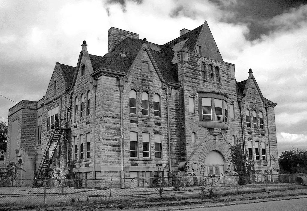 House Building School Maine