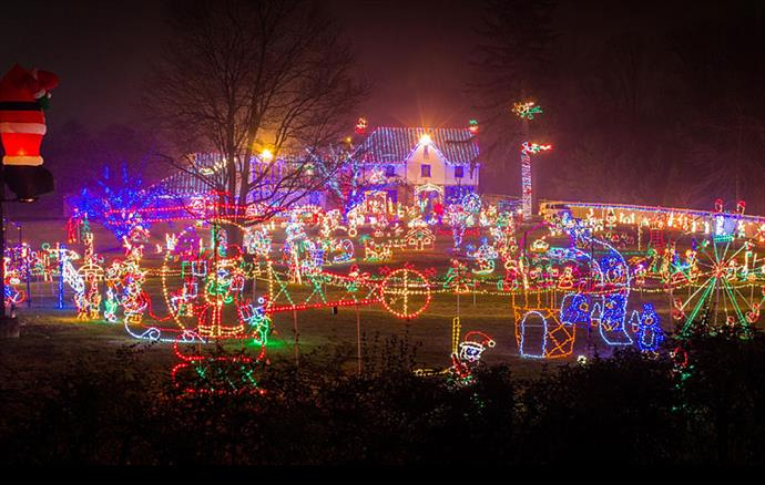 9 Pennsylvania Houses With Amazing Christmas Decorations