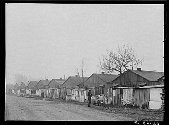 3) North Memphis housing in winter, 1940