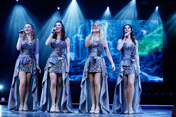 3.Catch a show at the Sight and Sound Theaters in Branson.