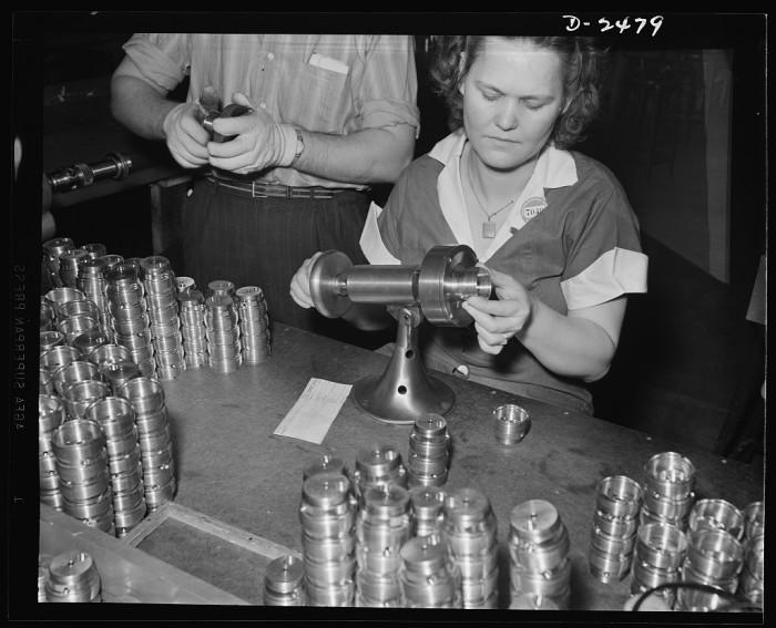 3.Machine Shop, St. Louis, 1942
