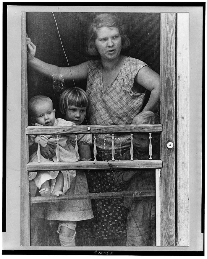 7. Here is a gorgeous family in Brown County from the 1930s.
