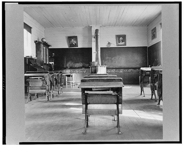 """7. """"Interior of eastern Oregon one-room county school. Seven pupils enrolled. 8:45 a.m. Between Pleasant Valley and Durkee, Baker County, Oregon."""""""