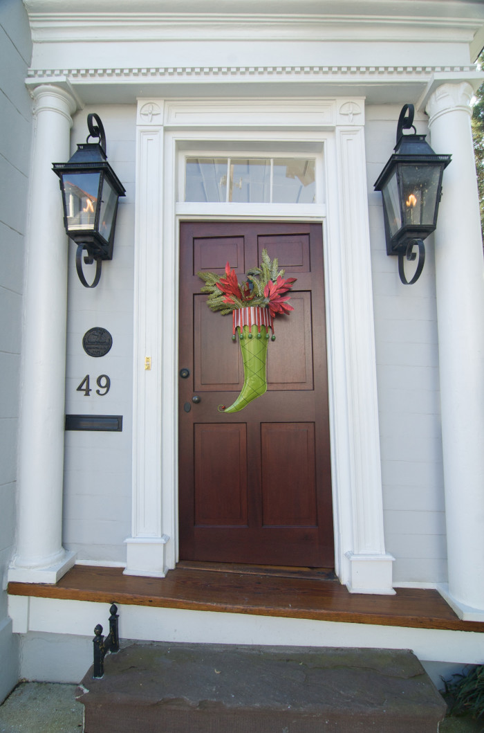5. Wow..great stocking, but look closely at this Charleston door. See anything a little off?