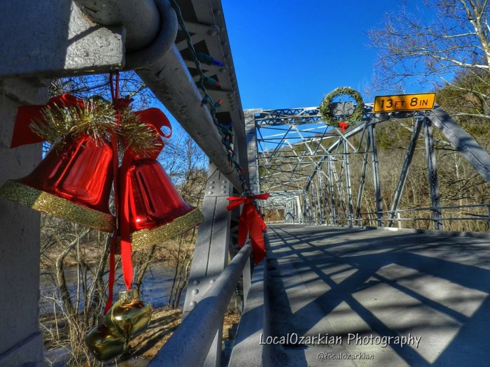 4.Tis the season.... To be on Route 66, in Devil's Elbow