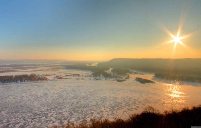 4. The view of the frozen Mississippi from McGregor is beautiful and hazy.