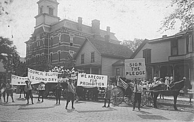 6. In 1915, prohibition supporters in Council Bluffs held a Prohibition Parade on 7th Street.