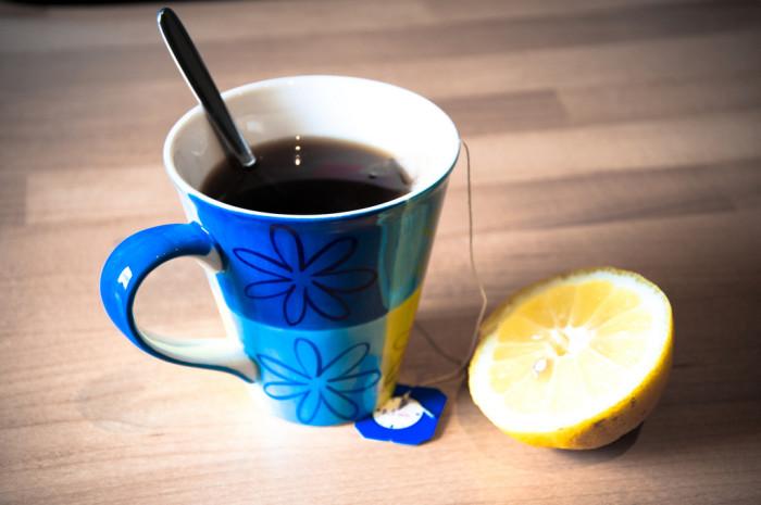 7. Use black tea to soothe sunburn.