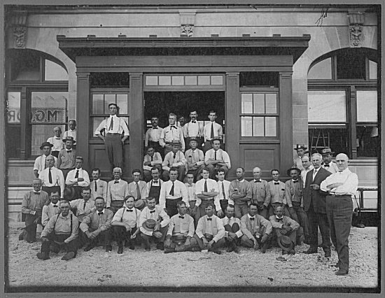 7. The employees of the Council Bluffs Post Office group up for a photo in 1915.