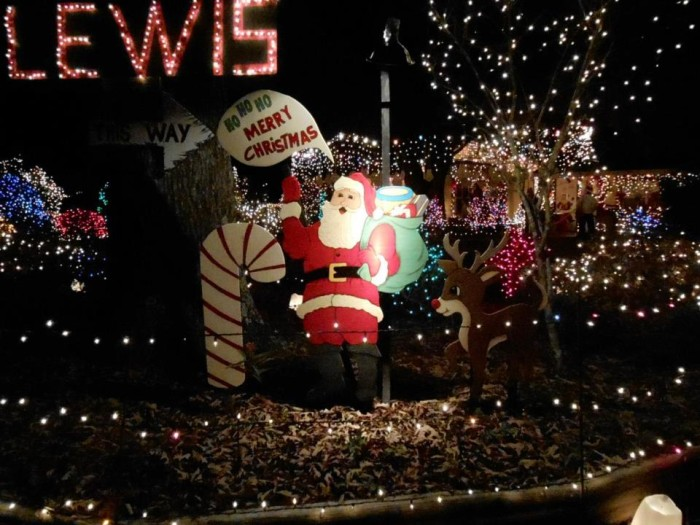 12 Places In Mississippi With Amazing Christmas Decorations
