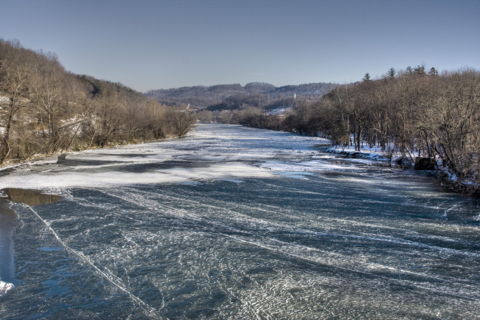 7. 'Frozen French Broad' creating truly mesmerizing scenery.