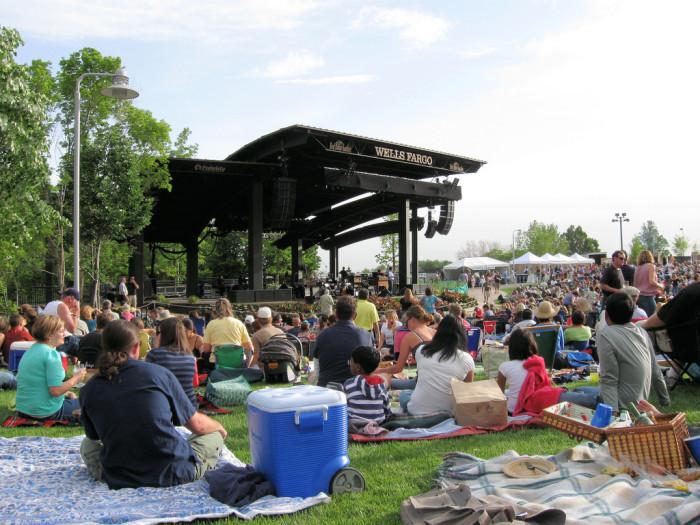 15. August: Attend an outdoor concert.