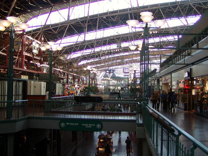 6 1200px-Modern_interior,_St._Louis_Union_Station