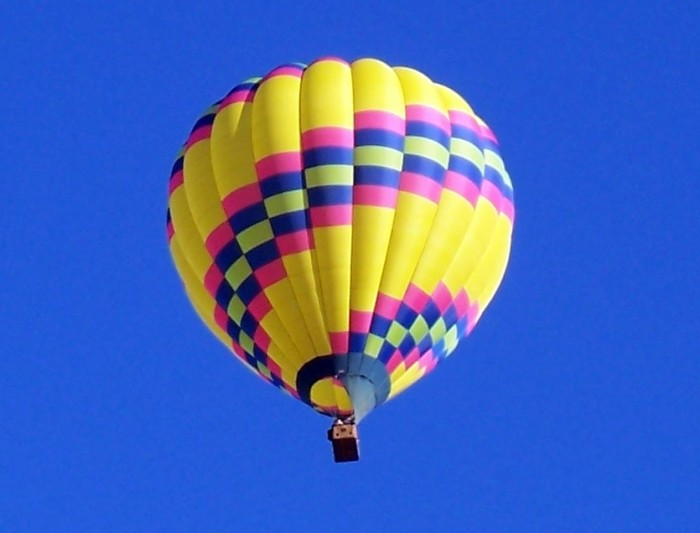 5.  Soak in the Vermont scenery from a hot air balloon.