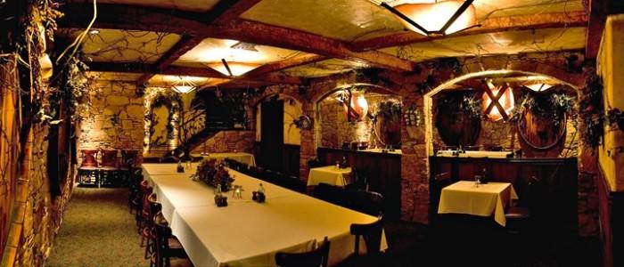 21. November: Try a new restaurant.