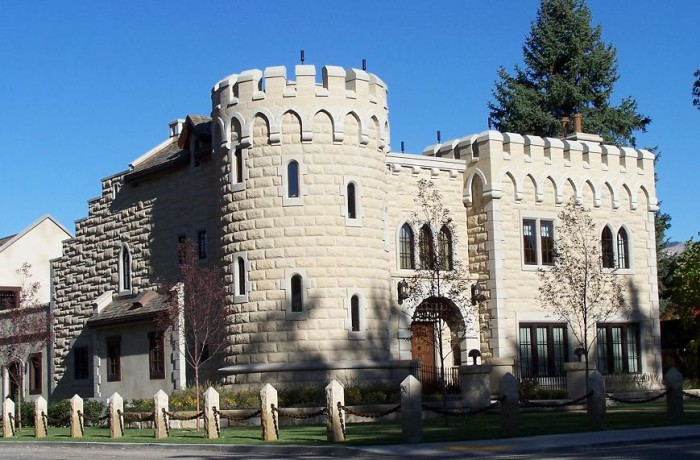 Castles In Idaho Straight Out Of A Fairy Tale - 15 epic homes that look like they came straight out of a fairytale