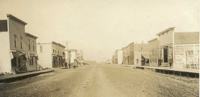 9. In 1915, Main Street in Kanawha consisted of a dirt road.