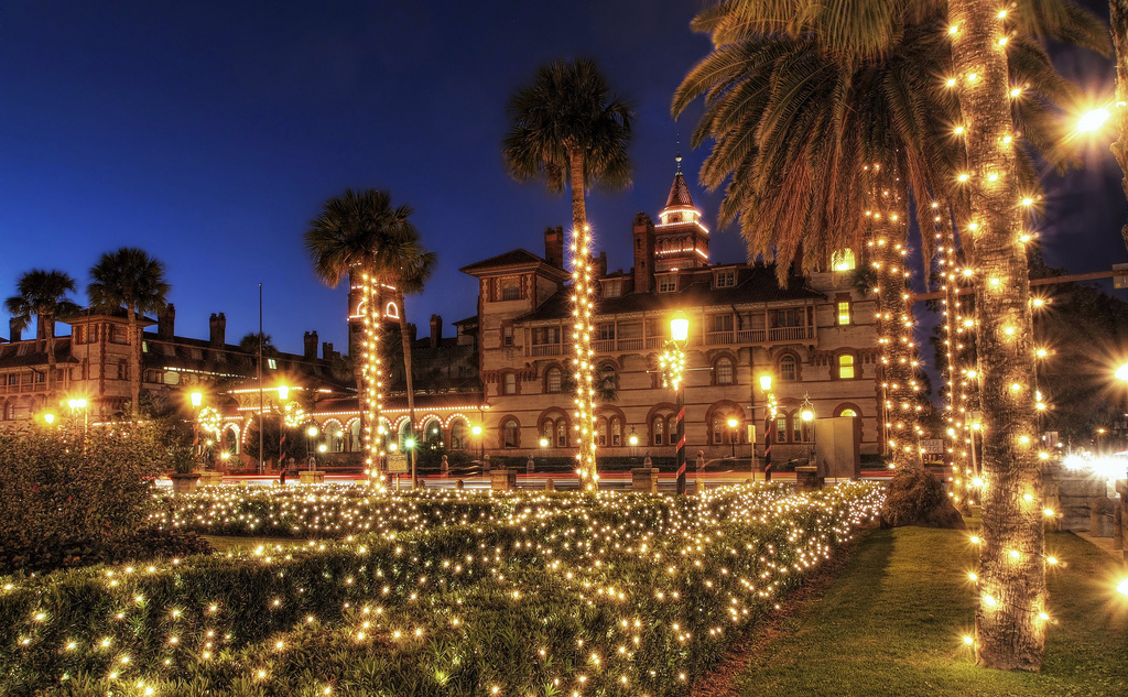 Here Are The Top 10 Christmas Towns In Florida