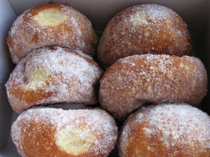 7) There is absolutely nothing better than malasadas from Leonard's Bakery…