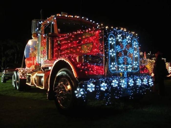 7) Waimea Lighted Christmas Parade