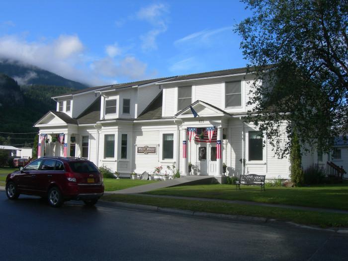 1) The White House B&B, Skagway
