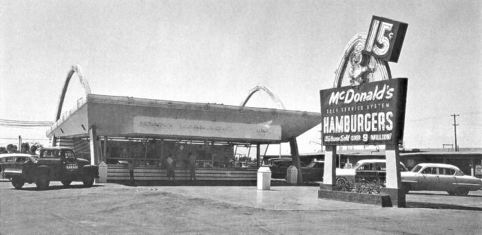3. 1975: The first drive-thru McDonald's opened in Sierra Vista.