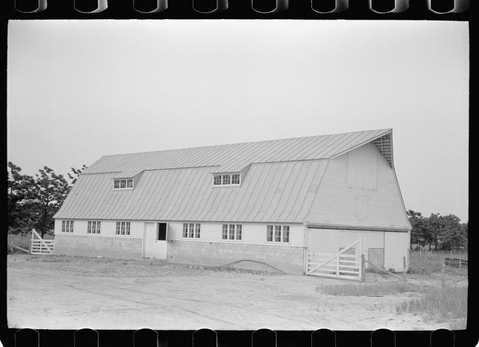 4. Check out this dairy barn in Wabash, Indiana.