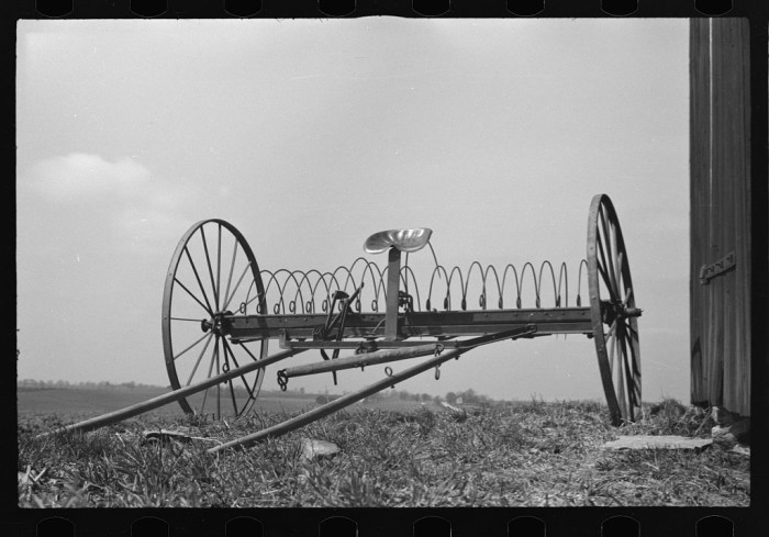 "10. ""Hayrake on farm near the Greenhills Project, Cincinnati, Ohio."""