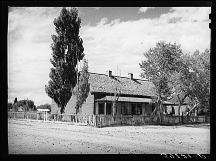 10. Here is an adobe home in Concho in 1940.