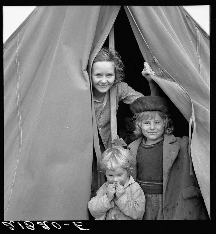 "6. ""Lighthearted kids in Merrill FSA (Farm Security Administration) camp, Klamath County, Oregon."""