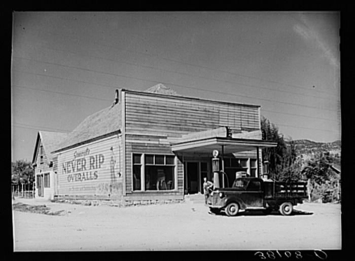 24. Main Store, Tropic
