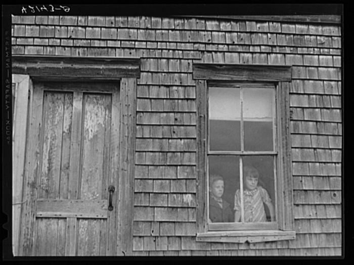 11. Children of an Aroostook potato farmer. (Fort Kent, 1940)