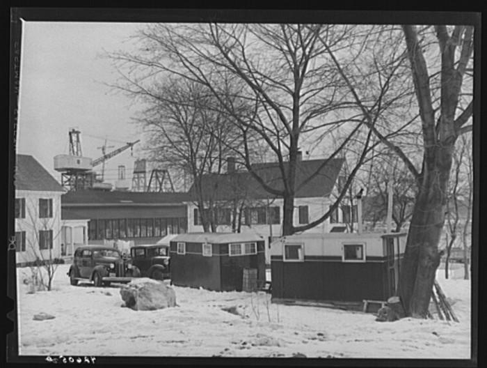 25. Trailers near the shipyward. (Bath, 1940)