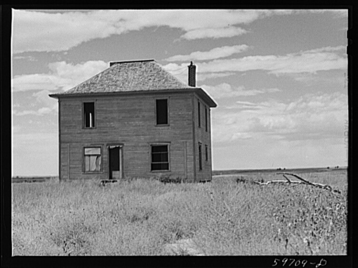 8. This farmhouse in Scotts Bluff County was abandoned long before this photograph was taken.