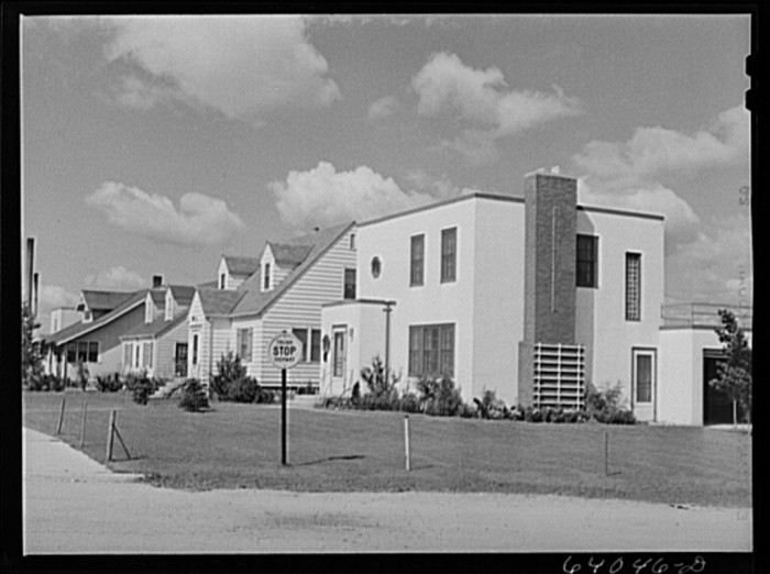 2. This is the residential section of Hibbing looks brand new by the end of the 1930s. Notice some of the traditional architecture versus this modern house on the end.